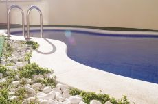 Precioso atico con piscina comunitaria cerca de la playa