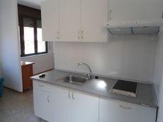 Se alquila piso de 1 habit. En centro de Tgna por 350 euros.