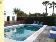 Casa de campo con piscina en urb las monjas carmona sevilla