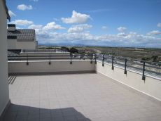 Increible atico con piscina terraza 90 m amueblado precioso
