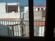Priso de tres habitaciones en el puerto de Llan��