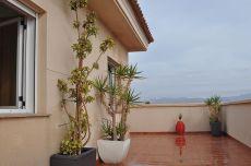 Lujoso �tico con impresionante terraza y vistas