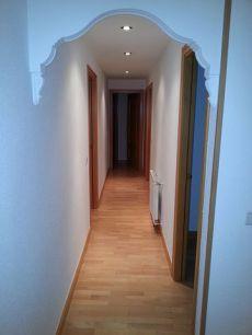 Se alguila magnifico piso de 3 dormitorios Caja Magica
