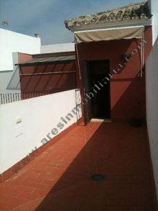 Amplia terraza, bonita decoraci�n, nuevo, buenas calidades
