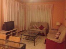 Coqueto piso amueblado de dos dormitorios con garaje