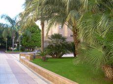 Zona residencial, peatonal y ajardinada