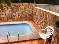 Chalet adosado con piscina propia