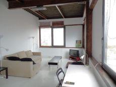 �tico en alquiler de 90 m2 amueblado. 1 habitaci�n.