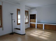 Se alquila piso de 91 m2. Sin amueblar en Ruzafa