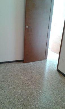 Se alquila piso en barrio del Pilar