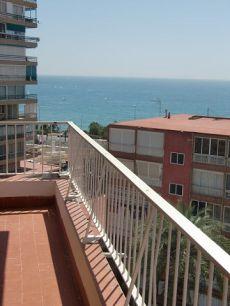 Excelente piso con vistas al mar.