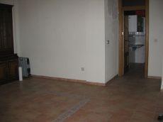 Piso 2 dormitorios sin muebles junto plaza mariana pineda