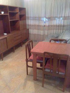 Alquilo piso amueblad de 40 m2 para 1 o 2 personas en Barcel