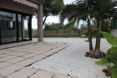 Bajos 3 hab piscina y terraaza 120 m2 Els munts farmacia