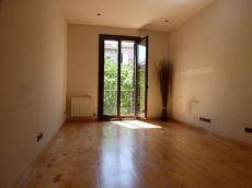 Fant�stico piso en calle Aragon