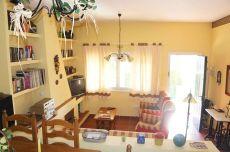 Adosada 2 dormitorios con jard�n, terraza