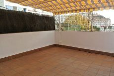 Piso seminuevo de 3 habitaciones y dos ba�os, con terraza