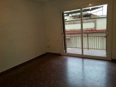 Piso de 110m2 y 4 hab con plaza de parking