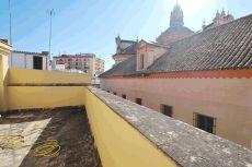 Atico d�plex de 2 dormit. Con terraza privada de 40 metros