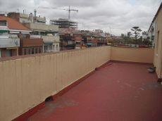 �tico con gran terraza