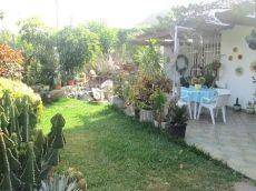 Amplio bungalow 4 dormitorios, 3 ba�os, 2 garajes.