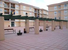 Piso 3 dormitorios, patio 35 metros con plaza de garaje