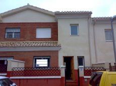 Alquilo casa en barrio de monachil