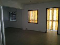 Luminoso piso exterior en zona atractiva