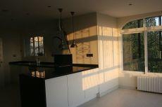 Chalet espacioso c�ntrico sin muebles con gran parcela