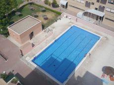 Atico duplex de 3 dormitorios, 2 plazas de garaje, piscina.