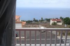 Estupendo piso en Cuesta la Villa con vistas al mar.