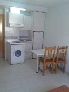 Apartamento en distrito Teatinos-Universidad, barrio Finca la Palma, por 400 �