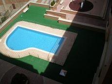 �tico nuevo junto al Espol�n, con terraza y piscina