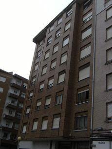 Piso 3 habitaciones con garaje en otro edificio en el Centro