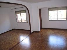 Amplio piso con calefacci�n central en San Jos�