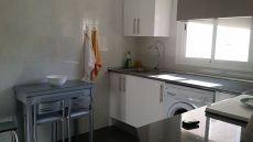 Se alquila piso de 2 dormitorios, cocina, sal�n y ba�o