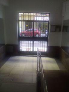 Se alquila fant�stico piso en calle Marmoles