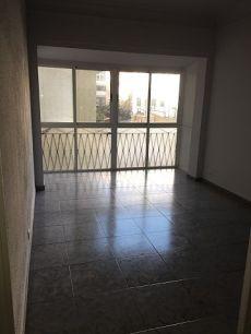 Piso totalmente reformado de 4 habitaciones en plaza Espa�a