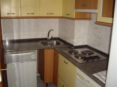 Centro, cocina amueblada y equipada, dos dormitorios