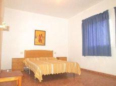 Amplio piso exterior, con 1 dormitorio, amueblado