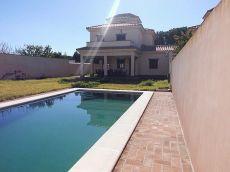 Se alquila chalet de lujo con piscina en Mogarizas