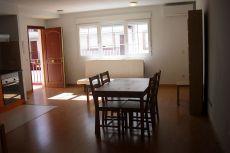 325 euros, estudio, garaje, amueblado.