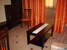 Junto ambulatorio, 2 dormitorios, amueblado
