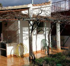 Casa con terreno urbano en Linares, zona la Garza