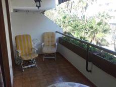 Alquiler de piso amueblado, terraza, piscina, garaje.