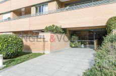 Soleado y amplio piso con bonita terraza