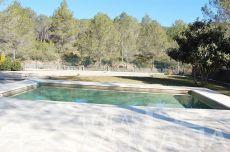 Chalet estilo rustico con piscina
