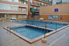 Piso 3 hab amueblado, piscina comunitaria. Cerca del Paseo