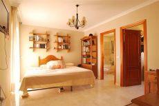 Alquiler Villa 4 dormitorios
