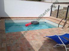 Nuevo, con piscina comunitaria, buenas calidades